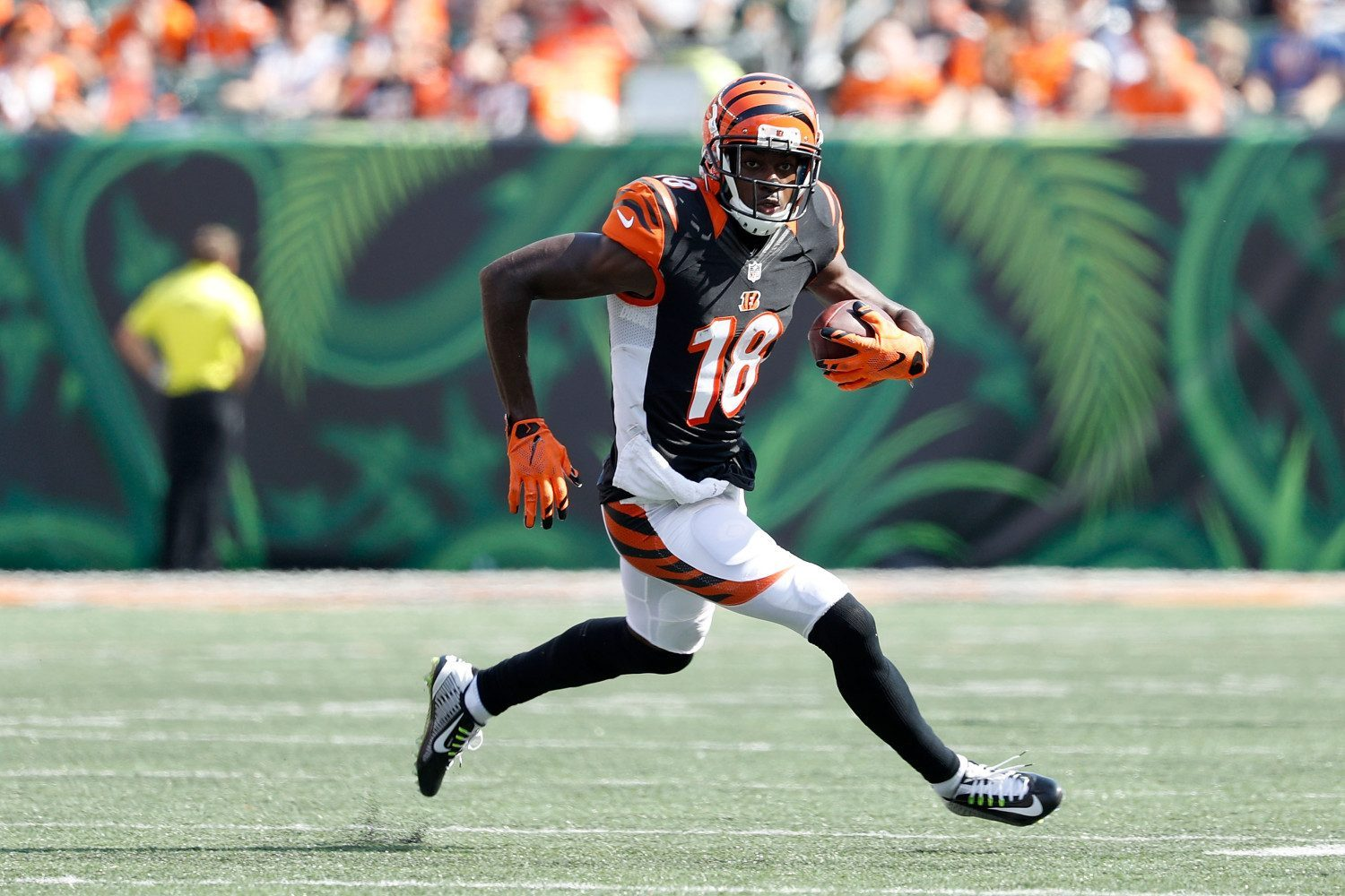 CINCINNATI, OH - SEPTEMBER 25: A.J. Green #18 of the Cincinnati Bengals carries the ball during the fourth quarter of the game against the Denver Broncos at Paul Brown Stadium on September 25, 2016 in Cincinnati, Ohio. (Photo by Joe Robbins/Getty Images)